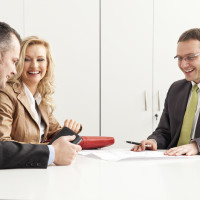 When to Hire a Real Estate Lawyer